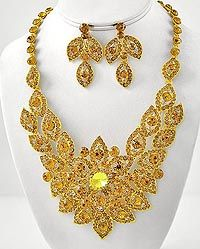 326900 - NECKLACE & EARRING SET