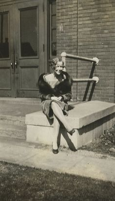 15 Cool Snapshots Capture Daily Life of a Young Girl During the 1920s