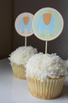 Hello Baby Modern Elephant Printables {baby shower cupcake ideas} Cupcakes are always a fun baby shower treat, and very easy to execute with these cute… Stork Baby Showers, Baby Shower Treats, Baby Shower Cupcake Toppers, Pop Baby Showers, Baby Shower Fun, Shower Party, Baby Shower Parties, Free Baby Shower Printables, Party Printables