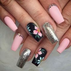 Stunning pink and silver nails with rhinestone and floral nail art Stunning pink and silver nails with rhinestone and floral nail art Silver Nails, Rhinestone Nails, Glitter Nails, Silver Glitter, Sparkly Nails, Black Nails, Stiletto Nails, Cute Acrylic Nails, Cute Nails