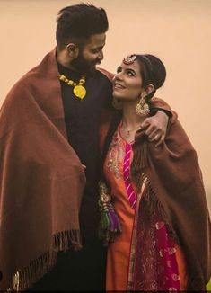 Wedding Couple Poses Photography, Wedding Couple Photos, Couple Photoshoot Poses, Couple Posing, Wedding Pics, Wedding Couples, Cute Couples, Punjabi Wedding Couple, Punjabi Couple