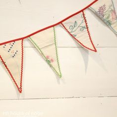 House of Noise... I mean boys.: DIY - Bunting out of Vintage Linnens