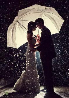 結婚式が雨でも素敵な写真は撮れる!雨が降ったら撮りたい〔素敵なウェディングフォト〕9選*にて紹介している画像