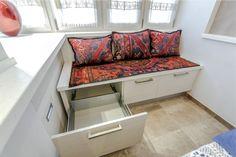 Кухонный уголок с ящиком для хранения