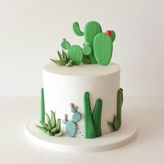 Cactus Cake - how to make a cactus themed cake with ombrè buttercream, edible. Beautiful Cakes, Amazing Cakes, Fondant Cakes, Cupcake Cakes, Edible Sand, Cactus Cake, Cactus Cupcakes, Cactus Cactus, Sweets