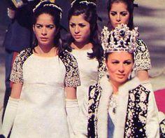 Royal Family of Iran,Pahlavi dynasty Royal Life, Royal House, Persian Princess, Pahlavi Dynasty, The Shah Of Iran, Farah Diba, Iranian Women, Royal Jewelry, Crown Royal