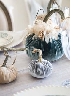 Velvet pumpkins for fall. Beautiful velvet always adds such an elegant touch! See how to create a table setting and where to buy velvet pumpkins. Velvet Pumpkins, Fabric Pumpkins, Fall Pumpkins, Pumkin Decoration, Decoration Table, Pumpkin Table Decorations, Pumpkin Crafts, Fall Crafts, Halloween Karneval