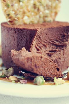 Dark Chocolate Mousse with Pistachios and Dulce de Leche - TheChocolateBox.se