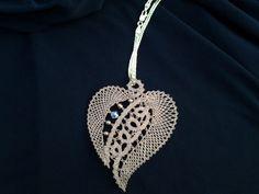 Lace Necklace, Lace Jewelry, Crochet Minecraft, Bobbin Lacemaking, Bobbin Lace Patterns, Lace Heart, Point Lace, Tatting Lace, Denim And Lace