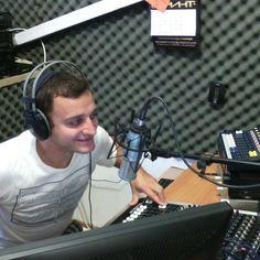 Радио Гама е ефирно радио в Северозападна България. Нашата цел е да правим местна радио програма която да се слуша на работното място, в дома и пътувайки в автомобила. Излъчваме 24 часова програма, 7 дни в седмицата, 365 дни в годината, преобладаваща българска музика, насочена към аудитория на възраст 20-60 годишни. Over Ear Headphones, Electronics, In Ear Headphones, Consumer Electronics