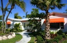 Tangerine Dream Cottage, Clearwater beach. 2 heated pools.