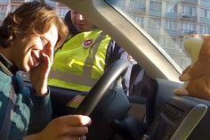 Ele é parado pela polícia e seu hamster falante começa a imitar o guarda, veja isso :-) http://www.bluebus.com.br/ele-e-parado-pela-policia-e-seu-hamster-falante-comeca-a-imitar-o-guarda-veja-isso/
