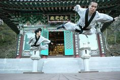 Flying martial artists - Korean Sunmudo masters