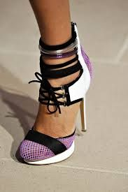 http://shoppingandmoda.com/perfect-shoe-season/