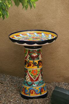 could make this with clay pots and saucer Mexican Patio, Mexican Garden, Spanish Colors, Hacienda Homes, Small Backyard Patio, Talavera Pottery, Tropical Landscaping, Clay Pots, Yard Art