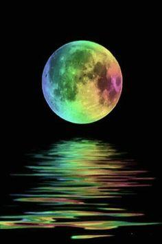 Rainbow moon painting against black sky. Beautiful Moon, Beautiful World, Beautiful Places, Beautiful Pictures, Shoot The Moon, Moon Pictures, Moon Images, Art Pictures, Moon Art