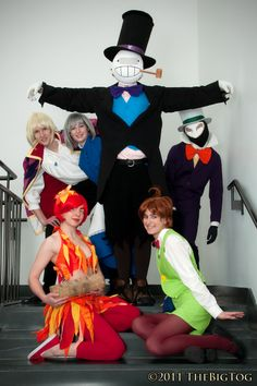 Omg, Howl's Moving Castle group cosplay!! Ughh, how I dream of pulling off an awesome group cosplay like this!