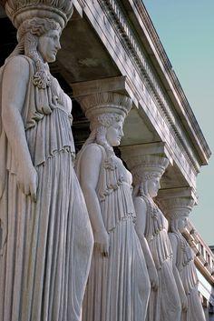 Bild in der Kunstsammlung durch anelej auf We Heart It - Bildungsarchitektur Ancient Rome, Ancient Greece, Ancient Art, Ancient History, Art History, Baroque Architecture, Ancient Architecture, Beautiful Architecture, Statues