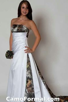 2019 New Bridal Gowns Strapless Camo Wedding Dress with Pleats Empire Waist A line Sweep Train Realtree Camouflage Dresses White Camo Wedding Dress, Camouflage Wedding Dresses, Camo Dress, Country Wedding Dresses, Bridal Dresses, Wedding Gowns, Country Weddings, Cowgirl Wedding, Redneck Weddings