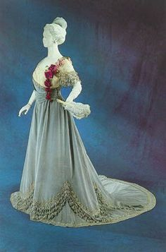 Worth ball gown ca. 1905