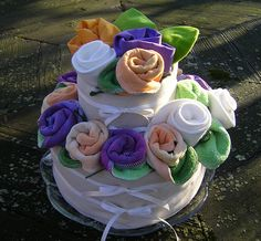 Gro Baby Cloth Diaper Cake by I Dream In Green, via Flickr
