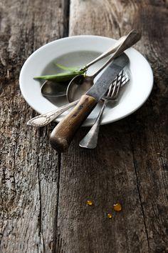 basil & pine nuts food photography blog