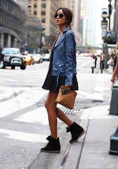 Vad tycker ni egentligen om dessa trendiga sneakers frånisabel marant? Själv tycker jag verkligen att de ser sjukt bekväma ut! Dessutom piffar dem upp out