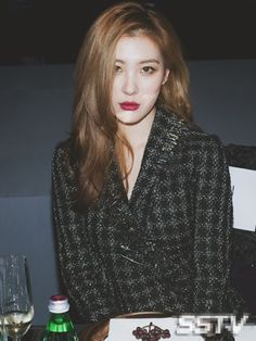 Sunmi and Hyuna share similar looks?