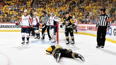 Concussed Crosby skates with Pens on off day #FansnStars