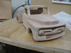 Wooden Toy Trucks, Wooden Car, Wooden Toys, Soap Box Derby Cars, Diy Toys Car, Wood Toys Plans, Woodworking Toys, Toy Craft, Diy Wood Projects