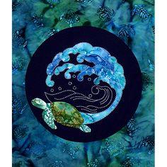 Honu Sea Turtle and Wave Fabric Kit Applique and Sashiko Dimensions: x Sashiko Embroidery, Japanese Embroidery, Embroidery Patterns, Quilt Patterns, Embroidery Fabric, Applique Fabric, Hand Applique, Asian Quilts, Turtle Crafts