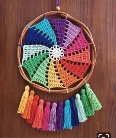 Quick Crochet, Crochet Round, Crochet Home, Love Crochet, Crochet Lace Edging, Crochet Patterns, Diy Yarn Decor, Crochet Dreamcatcher Pattern, Dream Catcher Patterns