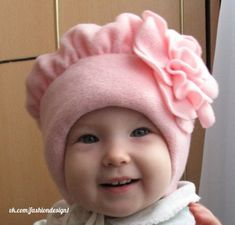 Дизайн одежды, мода, выкройки, шитье и крой Fleece Projects, Baby Sewing Projects, Sewing For Kids, Baby Kids Clothes, Doll Clothes, Baby Knitting, Crochet Baby, Hat Patterns To Sew, Fleece Hats