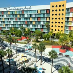 Love the tropical feel of Cabana Bay Beach Resort at Universal Orlando Resort. This is our favorite hotel in Orlando. So many great amenities AND it is a Value Resort! Universal Orlando Hotels, Orlando Resorts, Universal Studios, Travel With Kids, Us Travel, Family Travel, Disney Vacation Packages, Disney Vacations, Volcano Bay