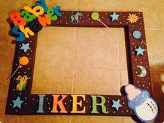 marcos para fiestas - Buscar con Google Photo Frame Prop, Photo Frame Design, Picture Frames, Marcos Para Baby Shower, Fotos Baby Shower, Baby Shower Drinks, Baby Shower Cakes, Baby Shower Parties, Baby Shower Gifts For Boys