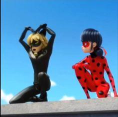 cat noir and ladybug cat noir . cat noir and ladybug . cat noir and marinette . cat noir and ladybug fanart . Alya Ladybug, Meraculous Ladybug, Les Miraculous, Adrien Miraculous, Chibi, Lady Bug, Meme Chat, Bb Chat, Comics Ladybug