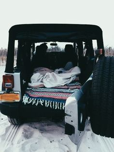 camp out in a jeep on the beach-adventure My Dream Car, Dream Life, Dream Cars, Mercedes Auto, Van Life, Pop Up Shop, Jeep Cars, Jeep Jeep, Jeep Wrangler Camping