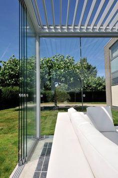 Pergola With Retractable Canopy Kit Code: 9990360989 Roof Design, Patio Design, Outdoor Rooms, Outdoor Living, Glass House Design, Aluminum Pergola, Glass Pavilion, House Extension Design, Patio Enclosures