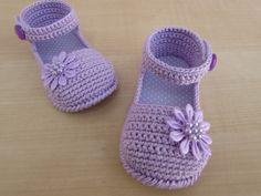 Sandalinha Gabriela lilas   sapatinhos de croche baby sapeca   Elo7
