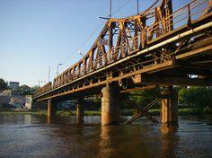 Puente historico Mendez Casariego( ex puente La Balsa), por el se cruza hacia el parque. Gualeguaychu, Argentina