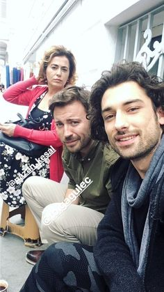 Toga Gulec as Gokhan, the oldest son of the Egemen family is in the middle of this picture. Series Movies, Tv Series, Alina Boz, Turkish Beauty, Best Series, Turkish Actors, Couple Pictures, Funny Moments, Actors & Actresses