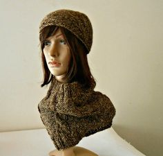 Chunky cowl scarf and beanie set handknitted by cosediisa on Etsy
