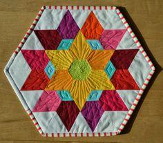 einfach bunt...: Diamond Flor Mini Quilt