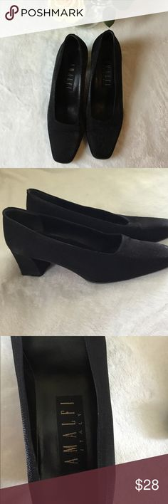 "AMALFI ITALY Black Slip in Heel Shoes Sz 7B Classy Heels, Great Condition!! Features:  ⚜️Slip in ⚜️Block Heel ⚜️Heel Hight Approx. 2"" ⚜️Square Toe  ⚜️Made in Italy AMALFI ITALY Shoes Heels"