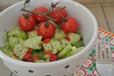 komkommer salade Caprese Salad, Cobb Salad, Guacamole, Potato Salad, Bbq, Potatoes, Vegetables, Cooking, Ethnic Recipes