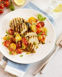 Try our Becel Olive Plus™ Oil Blend in this delicious Balsamic Chicken with Cherry Tomatoes recipe. Chicken With Cherry Tomatoes Recipe, Cherry Tomato Recipes, Heart Healthy Recipes, Diet Recipes, Chicken Recipes, Recipies, Ramadan Recipes, Balsamic Chicken, Chicken Seasoning