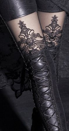 Punk Rave Women's Victorian Style Macbeth Faux Leather Look Leggings with Lace - Size Large Mode Steampunk, Steampunk Fashion, Gothic Fashion, Look Fashion, Womens Fashion, Fashion Black, Glam Rock, Leather And Lace, Black Leather