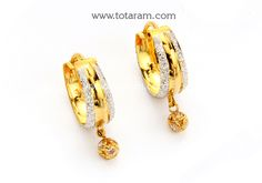 Gold Hoops (Ear Bali) with Cz Dubai Gold Jewelry, Gold Temple Jewellery, Gold Jewellery Design, Gold Ring Designs, Gold Earrings Designs, Kalamkari Tops, State Diagram, Ballet Hairstyles, Gold Mangalsutra Designs