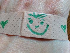 30 Second Mom - Ali Mathis: Decorate a Band-Aid to Soothe a Boo-Boo for Kids