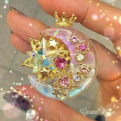 In this DIY tutorial, we will show you how to make Christmas decorations for your home. The video consists of 23 Christmas craft ideas. Kawaii Accessories, Kawaii Jewelry, Cute Jewelry, Diy Jewelry, Jewelery, Jewelry Accessories, Uv Resin, Resin Art, Diy Resin Crafts
